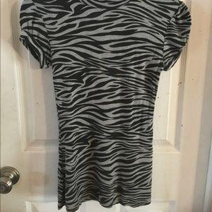 Tops - 💝 Degrees Zebra top. Size M. So cute